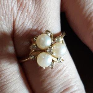 3 pearl diamond gold ring